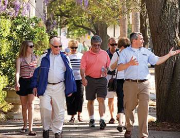 bulldog walking tours